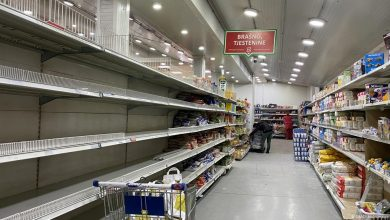 Photo of U RS jedna osoba može kupiti 25 kg brašna, dva kg soli, do tri litre ulja…