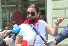 Photo of Sarajka na protestnoj šetnji o komentatorima na društvenim mrežama