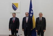Photo of BiH: Sastanak Komšića i Džaferovića s Christianom Schmidtom