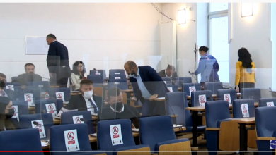 Photo of Zastupnici SDA napustili sjednicu Skupštine, Dević optužio Okerića (Video)